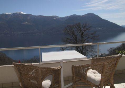 100.26 Villetta mit grosser Privacy an Panorama-Seesichtlage